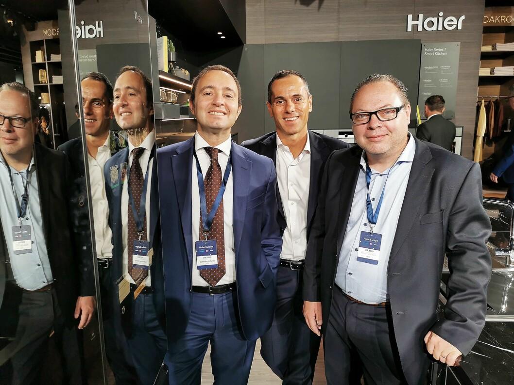 Fra venstre Carmine Infante (regiondirektør for Sentral-, Nord- og Øst-Europa), Davide Pavanati (salgsdirektør Nord-, Sør-, og Sentral-Europa) og Mikael Hellström (Norden-sjef) i Haier Europe. Foto: Stian Sønsteng