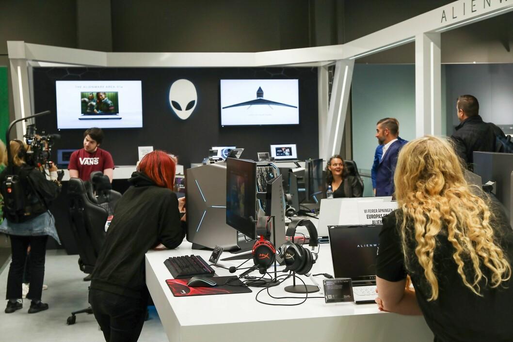 Butikk-i-butikken for Alienware ble åpnet ved Elkjøp Megastore Lørenskog 24. september. Foto: Dell.