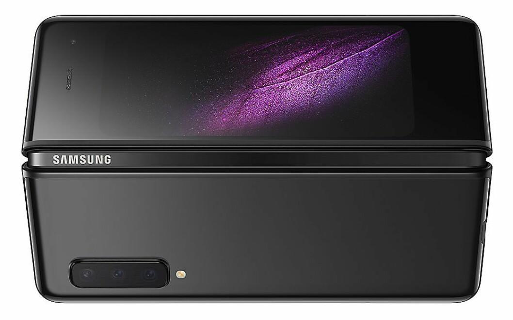 Samsung Galaxy Fold kan som navnet tilsies foldes sammen. Mobilen kom for salg i Norge den 18. oktober. Pris: 21.000,- Foto: Samsung