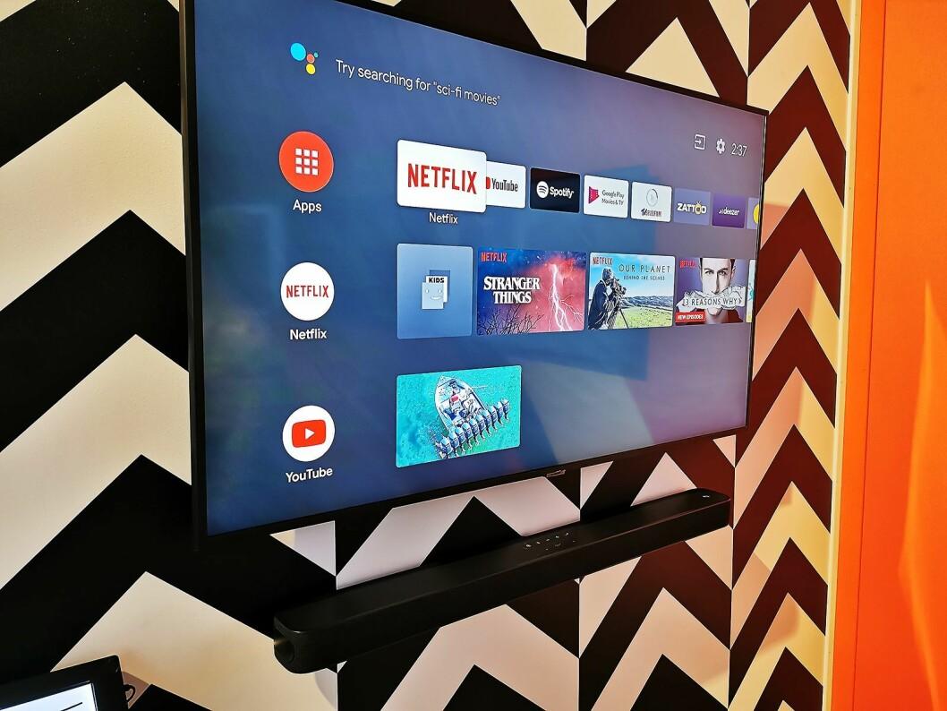 Lydplanken JBL Link Bar har fullverdig Android-TV innebygd, og kan gjøre en dum TV smart. Pris: 4.000,- Foto: Stian Sønsteng.