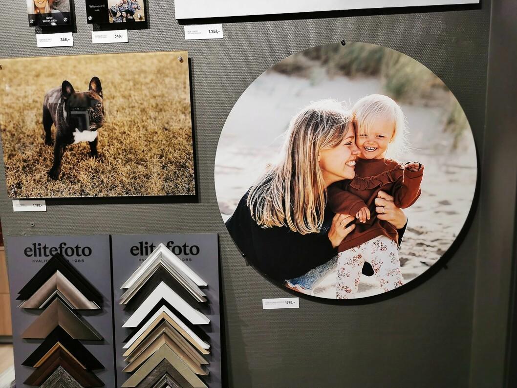 Siden august har Elite Foto tilbudt sirkelformede interiørbilder, på aluminium, akryl og MDF. Foto: Stian Sønsteng.