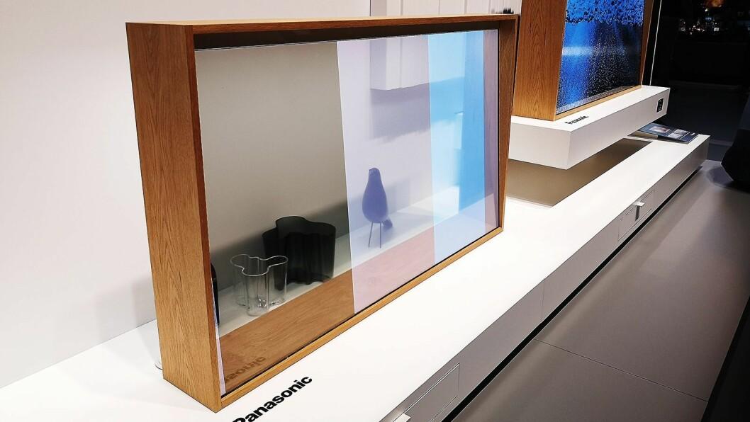 Panasonics viste fram en gjennomsiktig oled-TV på IFA. Foto: Marte Ottemo
