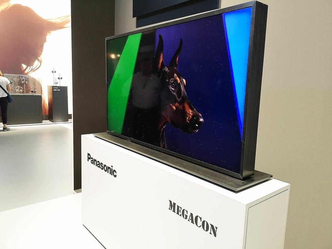 Panasonic Megacon bruker to lag med LCD-paneler for å få et så realistisk bilde som mulig, men er foreløpig beregnet på proffmarkedet. Foto: Marte Ottemo.