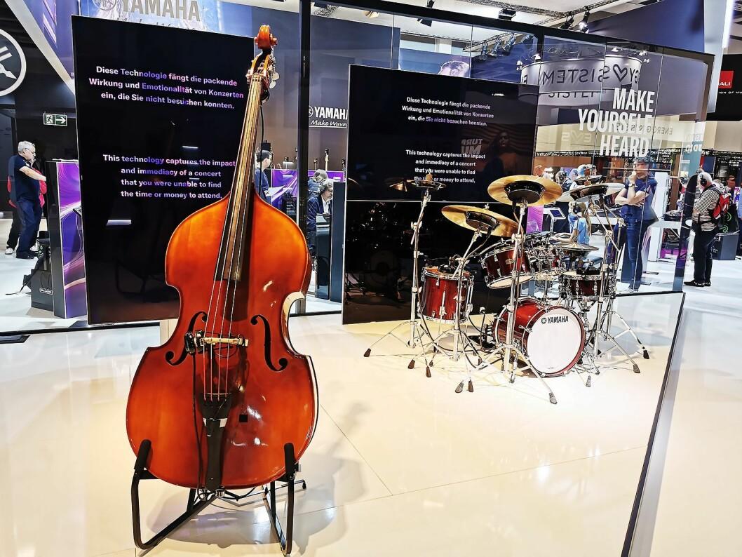 På IFA viste Yamaha selvspillende kontrabass og trommesett, samt det selvspillende klaveret vi har sett tidligere. Foto: Stian Sønsteng.