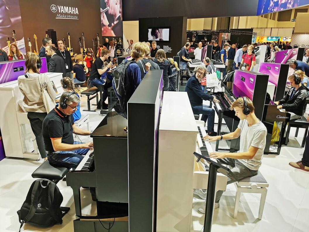 For andre gang viste Yamaha på IFA også sine musikkinstrumenter, og det på et enda større område enn fjorårets IFA-messe. Foto: Stian Sønsteng.