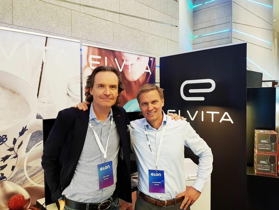 Asle Bjerkebakke (t. h.) er kjedesjef i Elon Norge. Til venstre konsernsjef Stefan Lebrot. Foto: Jan Røsholm.