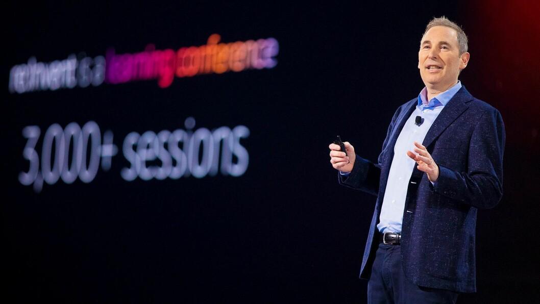 Toppsjef Andy Jassy i AWS på scenen i Las Vegas under Re:Invent 2019 i desember. Foto: AWS