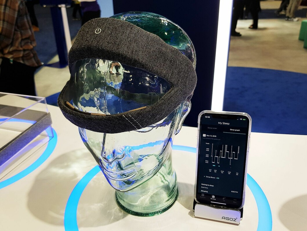 En egen app tilkoblet hodebåndet fra Philips måler søvnkvaliteten. Foto: Jan Røsholm.