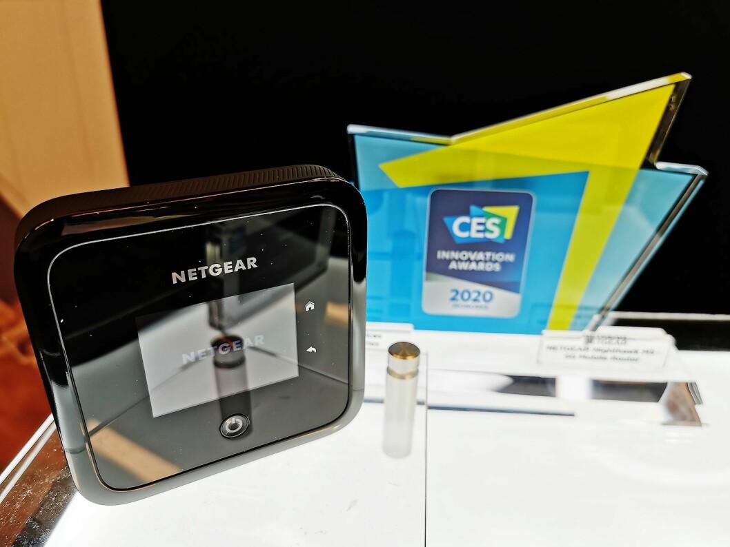 Netgears 5G-ruter har Wi-Fi 6, og kommer i handelen i sommer til rundt 10.000 kroner. Foto: Stian Sønsteng.