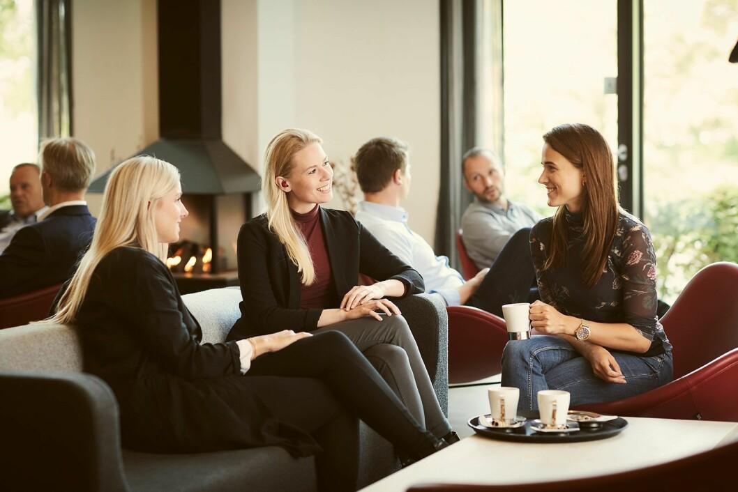 Slik illustrerer Lizn hvordan proppene i sosiale sammenhenger skal gjøre det lettere å følge med i samtalen. Foto: Lizn.