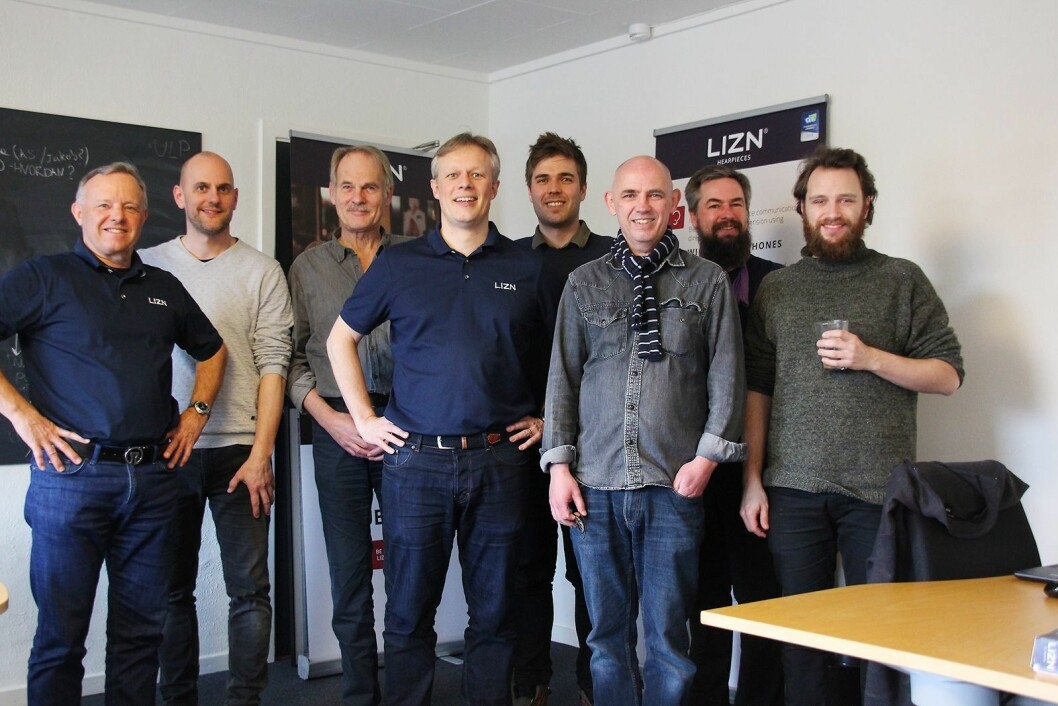 Lizn består av Mads Rugholm (f. v.), Lars Holst, Svend Aage Kristensen, Michael Løvbjerg, Stefan Meier, Niels Farver, Ole Wolf og Andreas Pehn Sloth. Foto: Lizn.