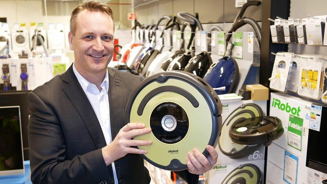 Robotstøvsugerne står nå for 18 prosent av markedet, og håndholdte støvsugere gjør det også meget bra. Foto: Stian Sønsteng