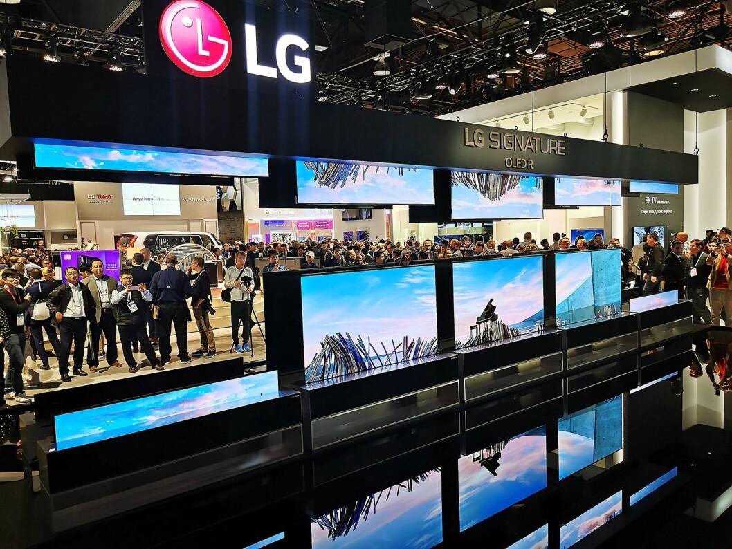 LGs rulle-TV kommer til Europa etter sommeren, med 65 tommers oled-panel. I USA koster denne 60.000 USD. Foto: Stian Sønsteng.