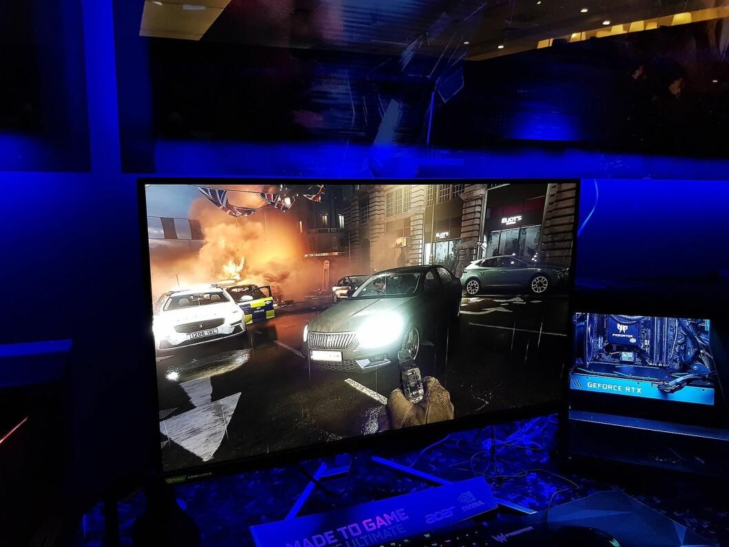Acers nye 55 tommers oled spillskjerm har sensor som regulerer lysstyrken. Foto: Jan Røsholm.
