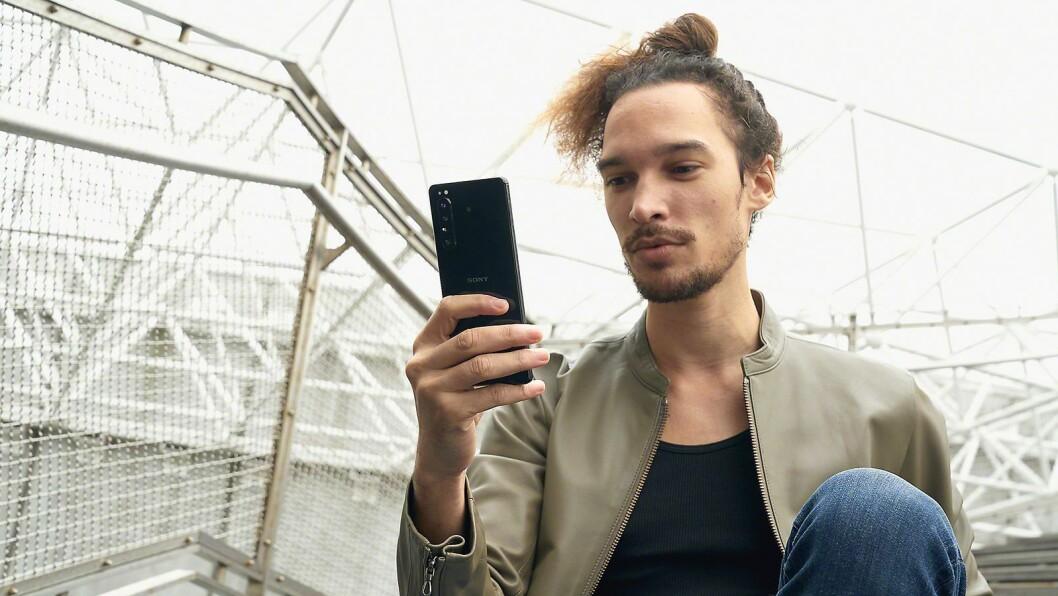Sonys nyeste mobil-flaggskip er selskapets første telefon med 5G-støtte. Foto: Sony