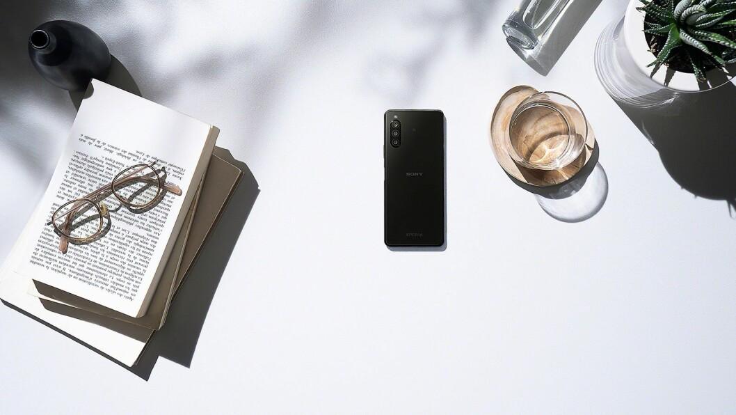 Også midtsjikts-telefonen Sony Xperia 10 har fått en mark II-oppgradering. Foto: Sony.