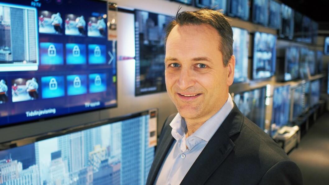 Administrerende direktør i Stiftelsen Elektronikkbransjen, Jan Røsholm, ser at flere medlemmer er usikre på hvordan tiltakene mot koronaviruset vil påvirke deres bedrifter og ansatte. Foto: Stian Sønsteng
