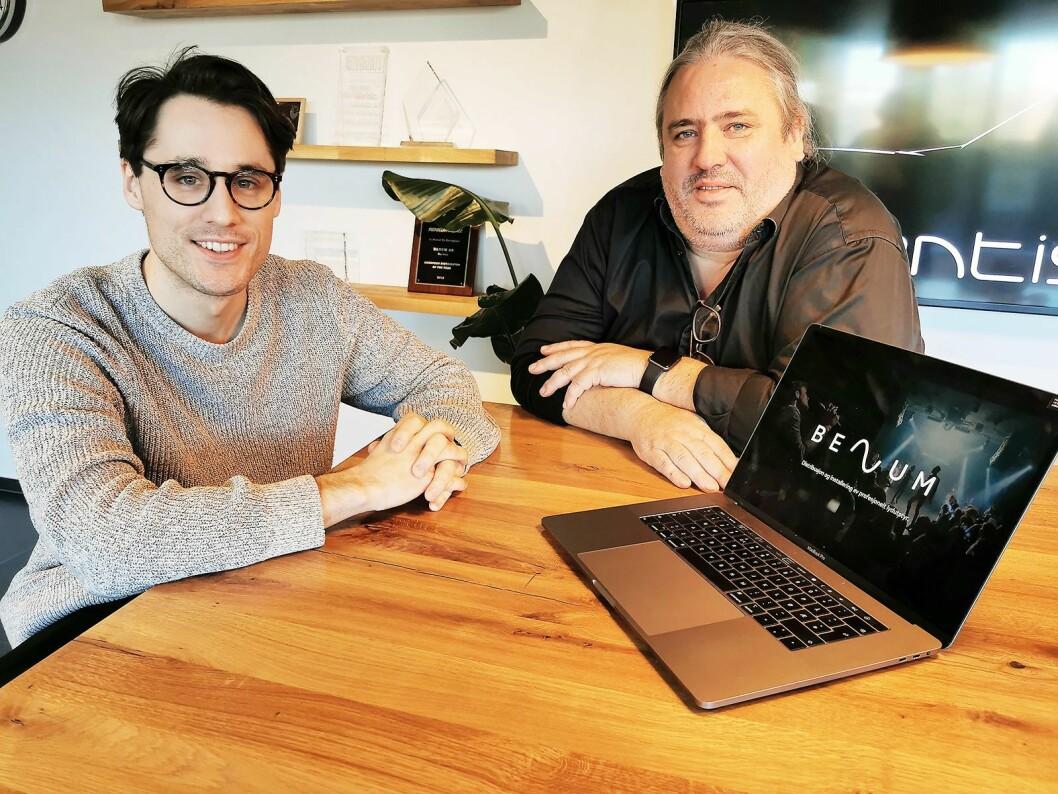 Marketingsjef Simen Schikulski (t. v.) og daglig leder Ronald Hernes i Benum Norway AS, som både har nytt navn og ny visuell profil. Foto: Stian Sønsteng