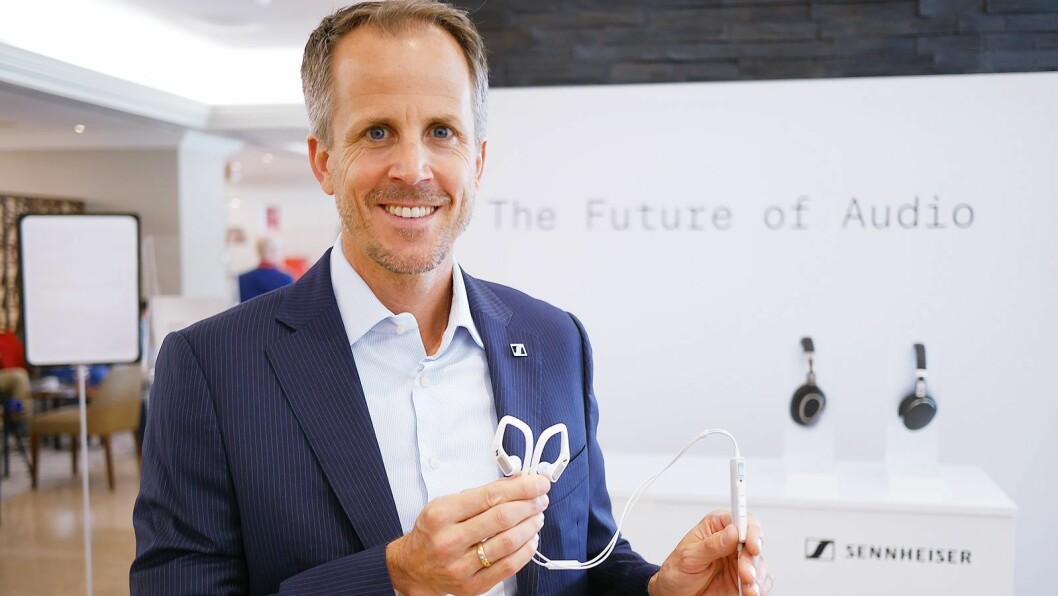 –IFA har vært det viktigste utstillingsvindu til Sennheiser for industri, presse og kunder i mange år. I en tid hvor utveksling av ideer og positive impulser er viktigere enn noen gang er vi veldig glade for å se en så kreativ tilnærming for å gjennomføre IFA i 2020. Vi ser på hvordan vi kan finne de beste løsningene for Sennheiser, sier administrerende direktør Andreas Sennheiser i Sennheiser. Arkivfoto: Stian Sønsteng.