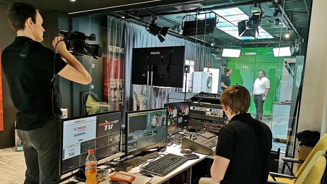 Power har hentet inn proffe aktører til å sette opp og kjøre live-sendingene til sine ansatte. Foto: Power/ Snorre Berg-Domaas