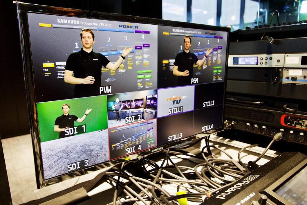 Med greenscreen legger produsenten enkelt på mer informasjon bak Samsungs Snorre Johnsrud. Foto: Power/ Snorre Berg-Domaas.