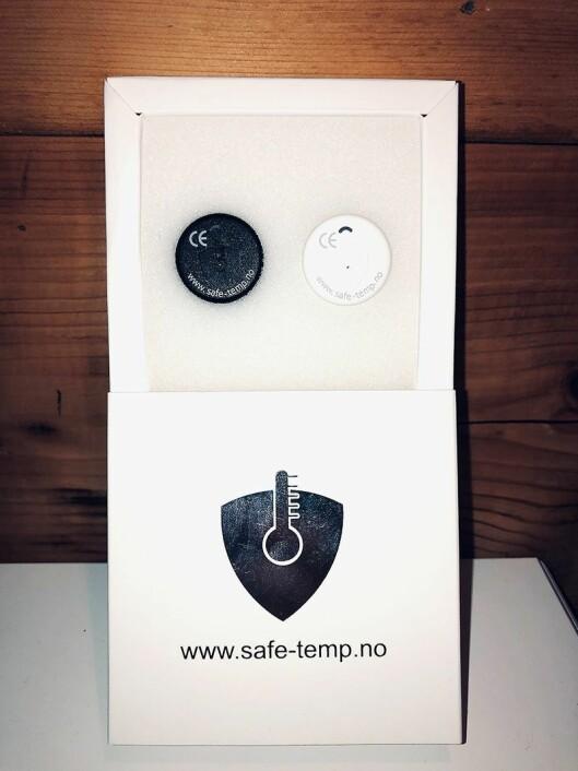 SafeTemp leveres i pakning med to hvite eller sorte sensorer. Foto: SafeTemp.