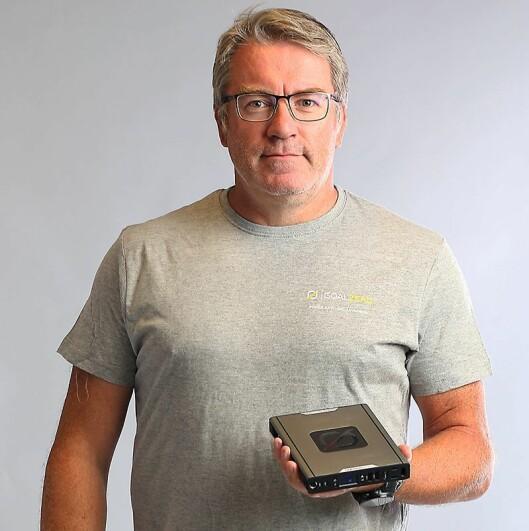 Forretningsutvikler Bjørn Tore Johannessen i Response Nordic AS med Goal Zero Sherpa 100AC. Foto: Response Nordic.