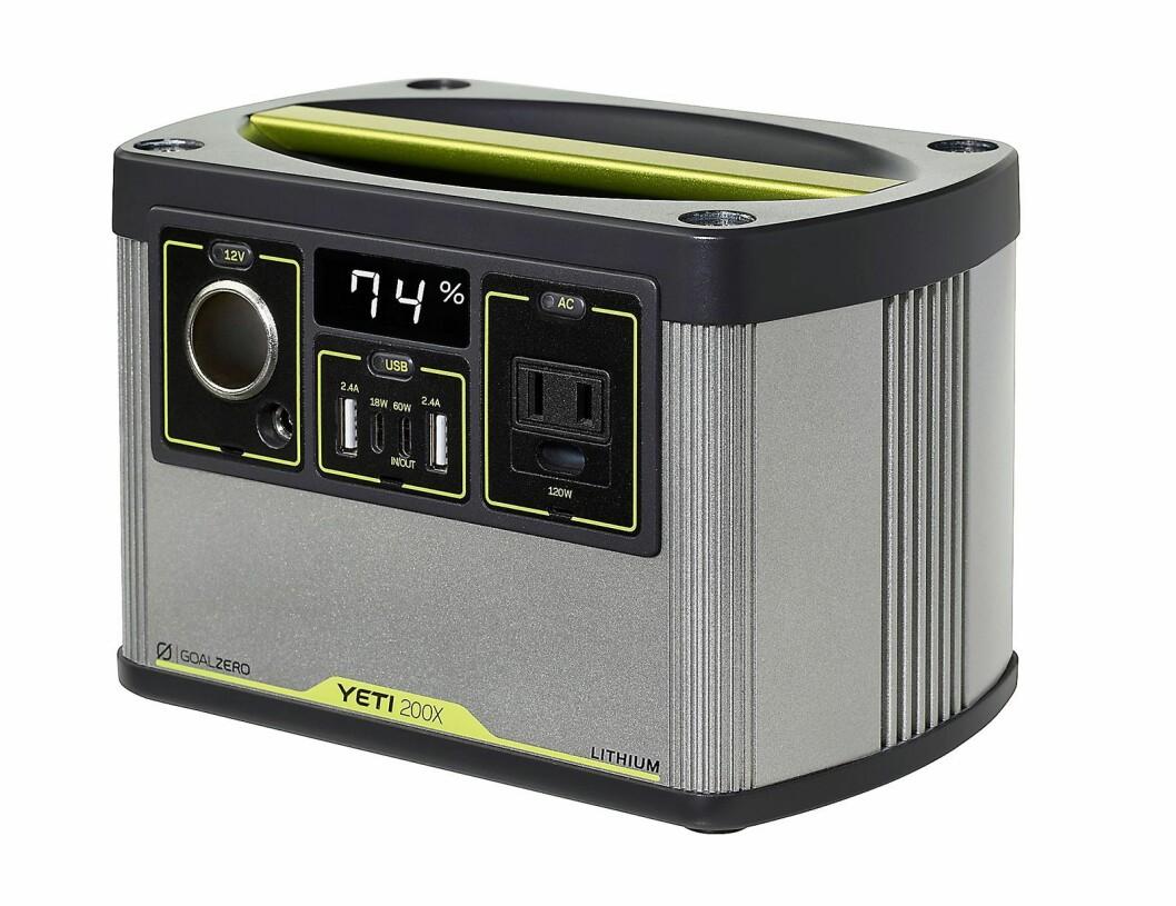 Goal Zero Yeti 200X Portable Power Station på 2,27 kilo med 187 Watt-timers litiumkraft og blant annet en høyhastighets USB-C-port på 5-12V, opp til 3A (18W maks). Pris: 3.400,-.