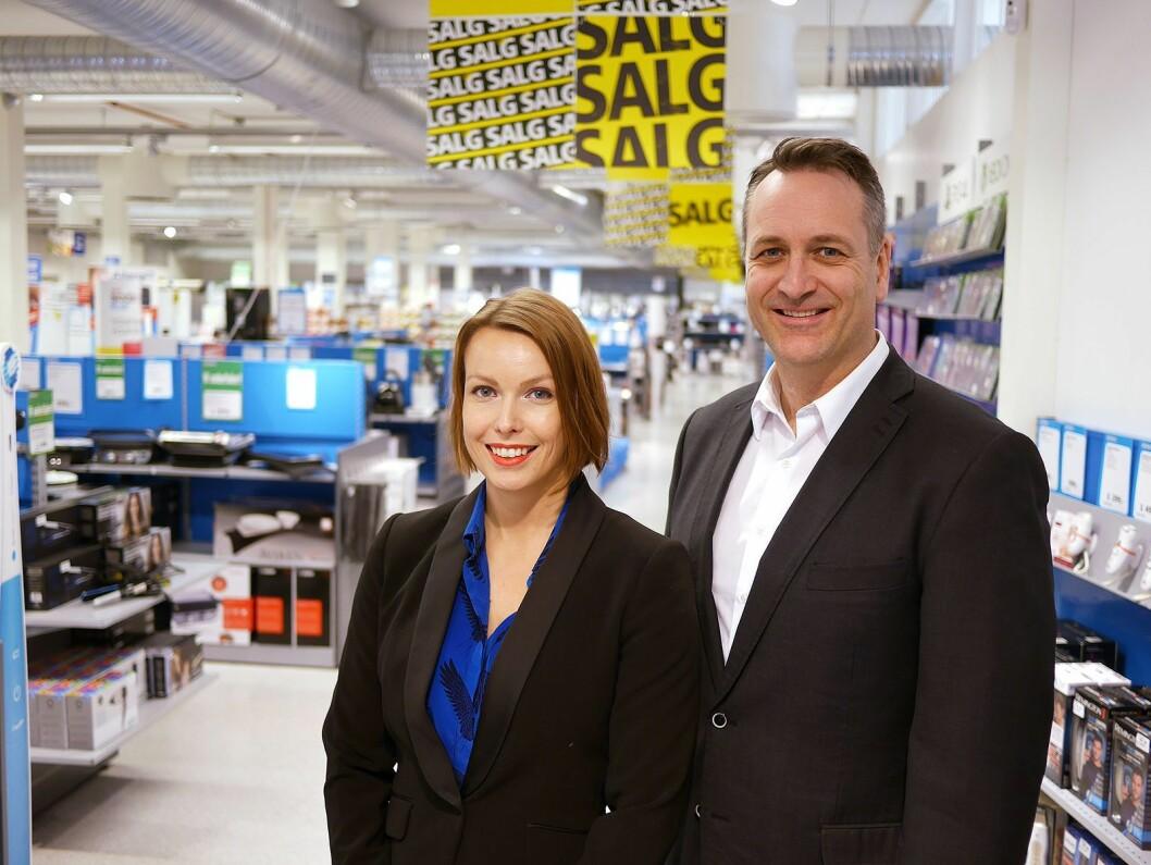 Kommunikasjonssjef Marte Ottemo og administrerende direktør Jan Røsholm i Stiftelsen Elektronikkbransjen ser en kraftig vekst i salget av forbrukerelektronikk. Foto: Stian Sønsteng