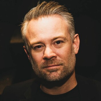 Steven Schmidt, senioransvarlig for globalt salg i Epos, sier selskapet skal satse i det nordiske markedet. Foto: Epos.