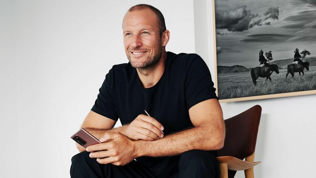Aksel Lund Svindal blir ambassadør for og superbruker av Samsungs produkter. Foto: Samsung