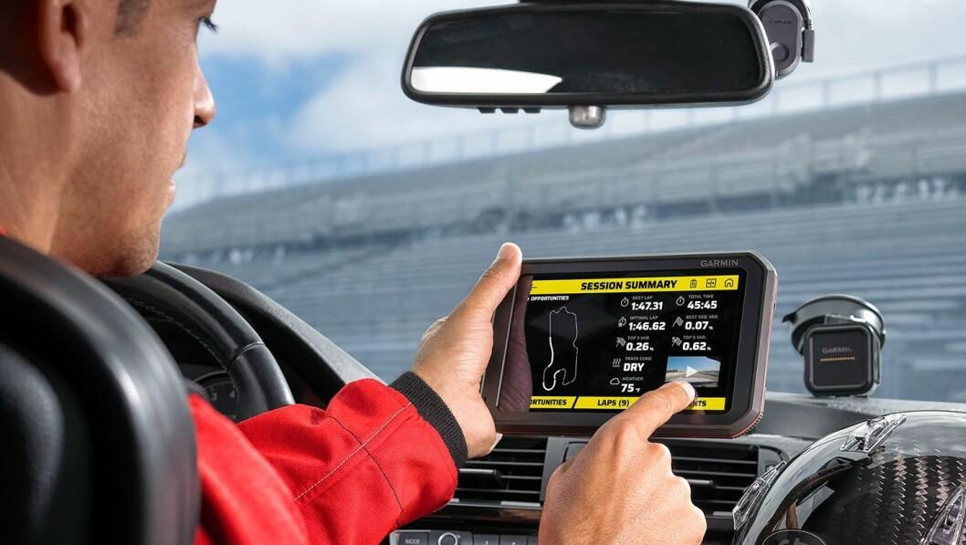 Garmin Catalyst skal gjøre at racingsjåfører kan kjøre enda raskere rundetider. Foto: Garmin