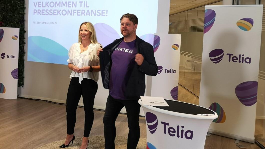 Camilla Forberg, direktør for strategisk brand og markedsføring i Telia Norge og Pål Rune Kaalen, leder Telia privatmarked, lover flere fordeler til kundene når Get blir til Telia. Foto: Marte Ottemo