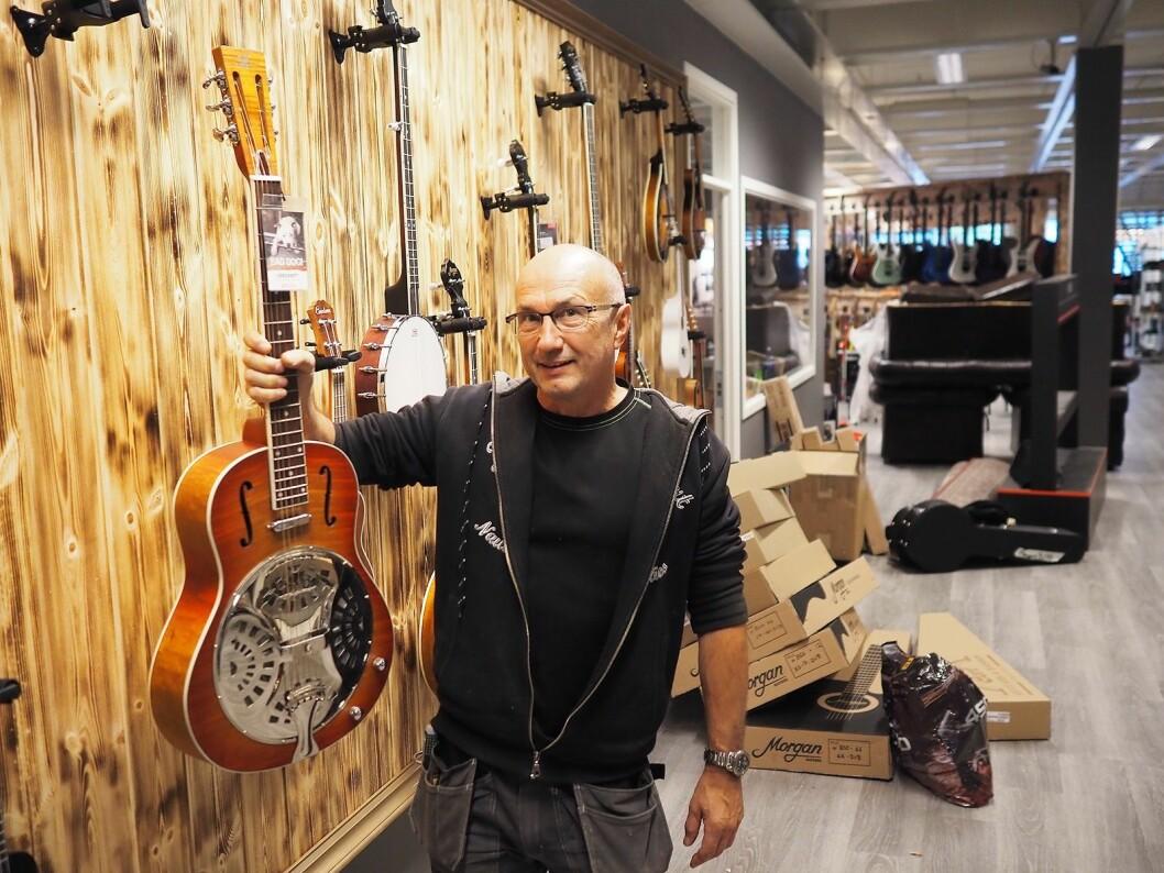 Styreleder Morgan Johnsen i GH4S, som eier 4Sound-kjeden. Han er også leverandør av blant annet Morgan-gitarer, Kawai og Hohner gjennom Morgan Instrument Norge AS. Foto: Stian Sønsteng.