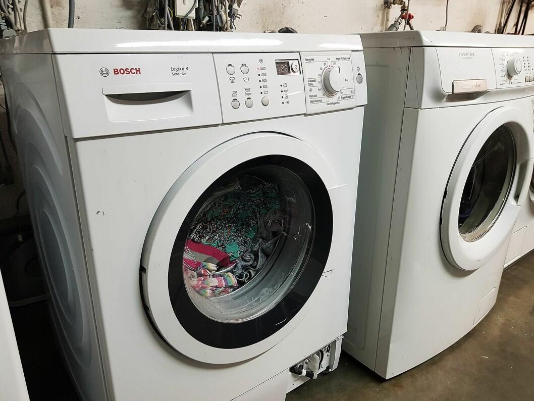 Alle vaskemaskiner testes med klær før de sendes ut på markedet. Foto: Jan Røsholm.