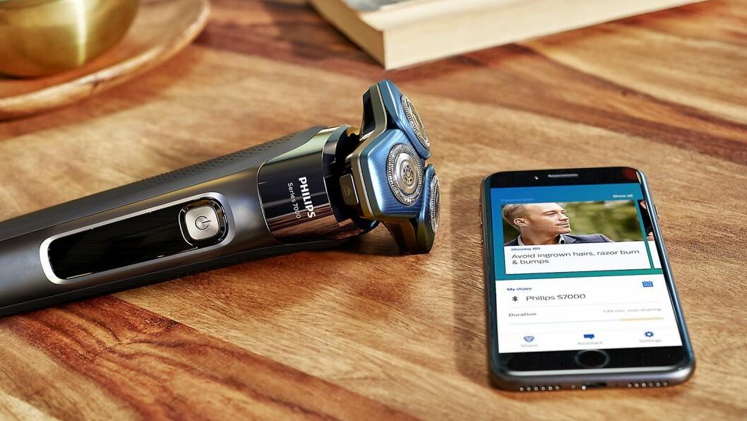 Philips Shaver 7000 har Motion Control-sensoren, som via en app lærer brukeren hvordan barberingen er mest skåsom og effektiv. Foto: Philips.