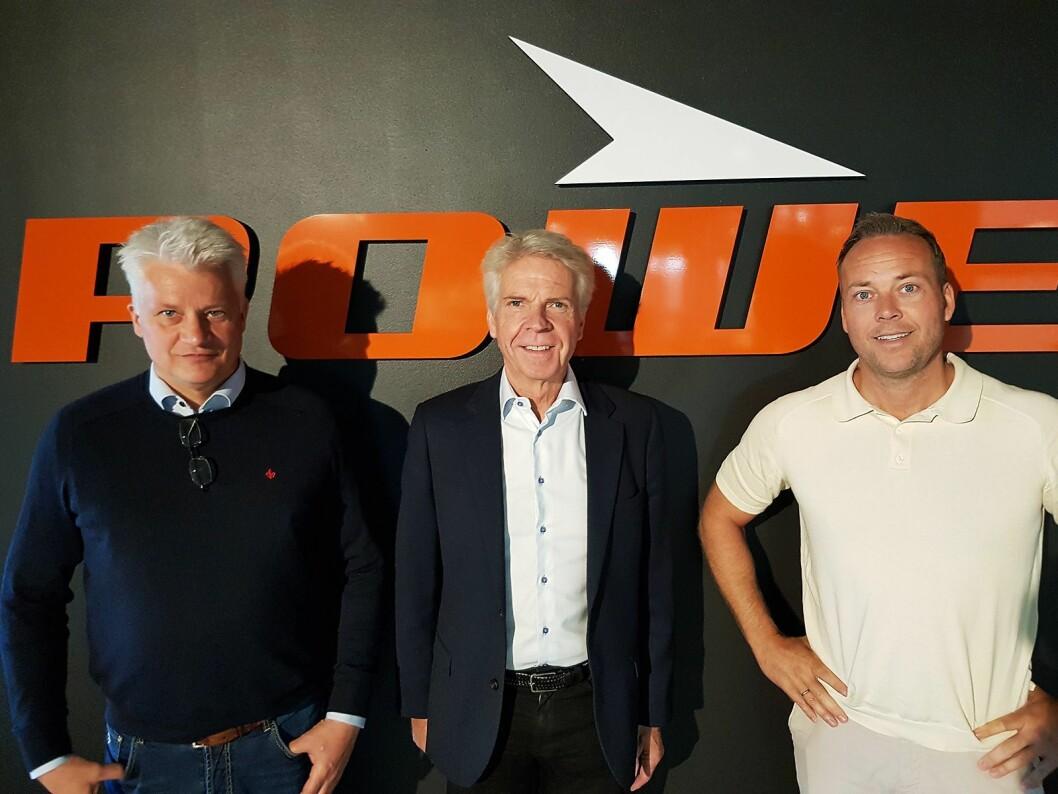 Power er en av kjedene som har fått presentert ombruksprosjektet. Fra venstre nordisk sjef Ronny Blomseth, leder for ombruksprosjektet Pål Haugen og Norgessjef Anders Nilsen. Foto: Jan Røsholm.