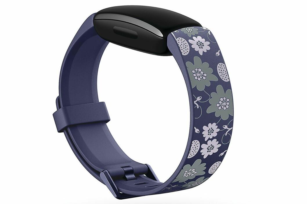 Fitbit Inspire 2 kommer med flere ulike bånd som lar brukeren tilpasse designet til sin egen smak. Foto: Fitbit.