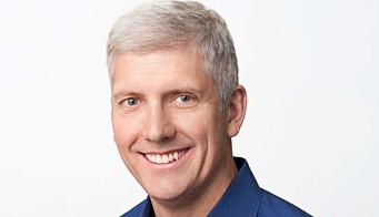 Rick Osterloh, ansvarlig for enheter og tjenester i Google, sier selskapet ikke vil bruke Fitbit-data til å selge annonser. Foto: Google