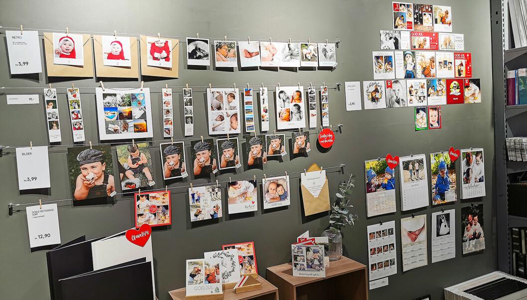 Fotobøker, kalendere med personlige bilder, jule- og konfirmasjonskort og vanlige stillbilder er alle populære produkter hos fotokjedene. Foto: Elite Foto