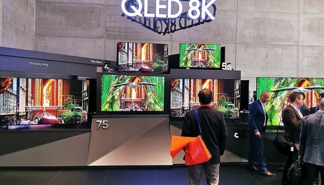 TVene blir stadig større, nå står 65 tommer for 28 prosent salget i Norge. Foto: Stian Sønsteng