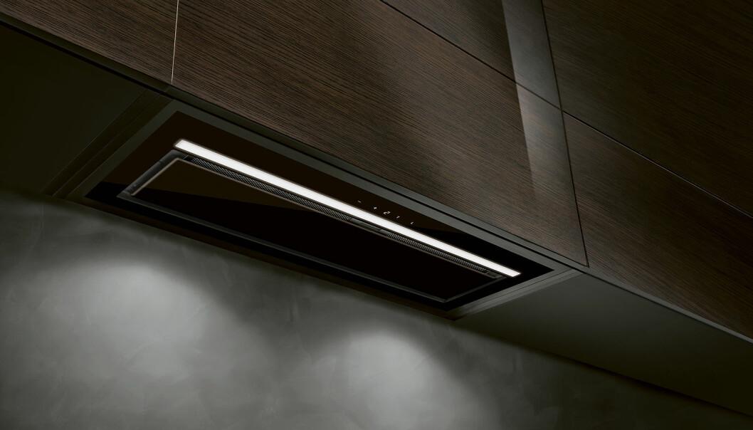 Eico E33 kommer i fire varianter, med design i glass. Kan fjernbetjenes via Eicolink. Pris fra 10.000,- Foto: Eico