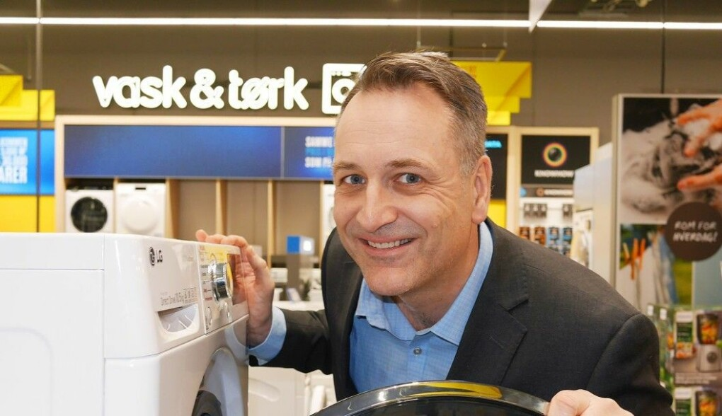 Administrerende direktør i Stiftelsen Elektronikkbransjen, Jan Røsholm, sier butikker som ikke følger de nye merkeordningene risikerer bøter. Foto: Stian Sønsteng