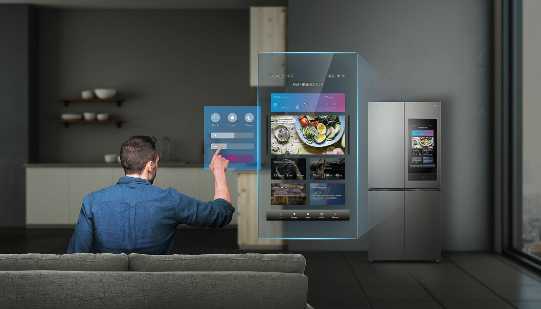 Kjøleskapet C470 har en smart LED-skjerm på 21,5 tommer. Foto: TCL