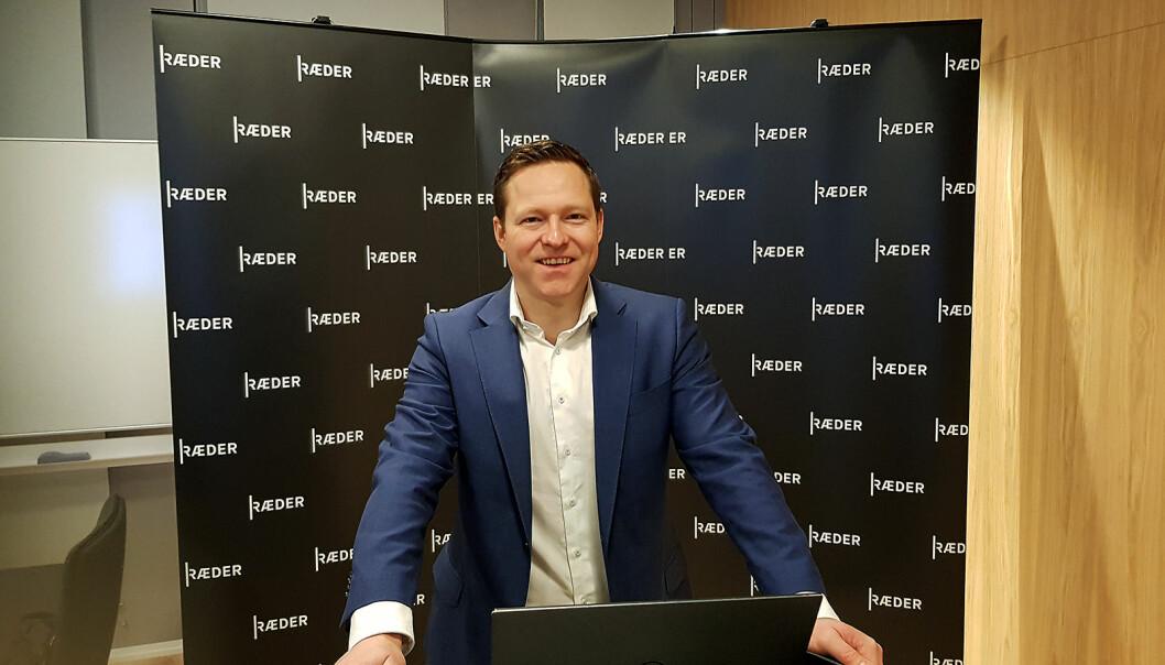 Kyrre Kielland underviser 160 online-deltakere i forbrukerkjøpsloven. Foto: Jan Røsholm
