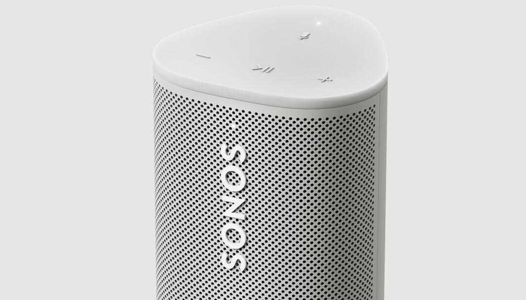 Mikrofonen brukes både til stemmestyring, men også til automatisk Trueplay som både på wifi og blåtann justerer lyden etter omgivelsene. Foto: Sonos