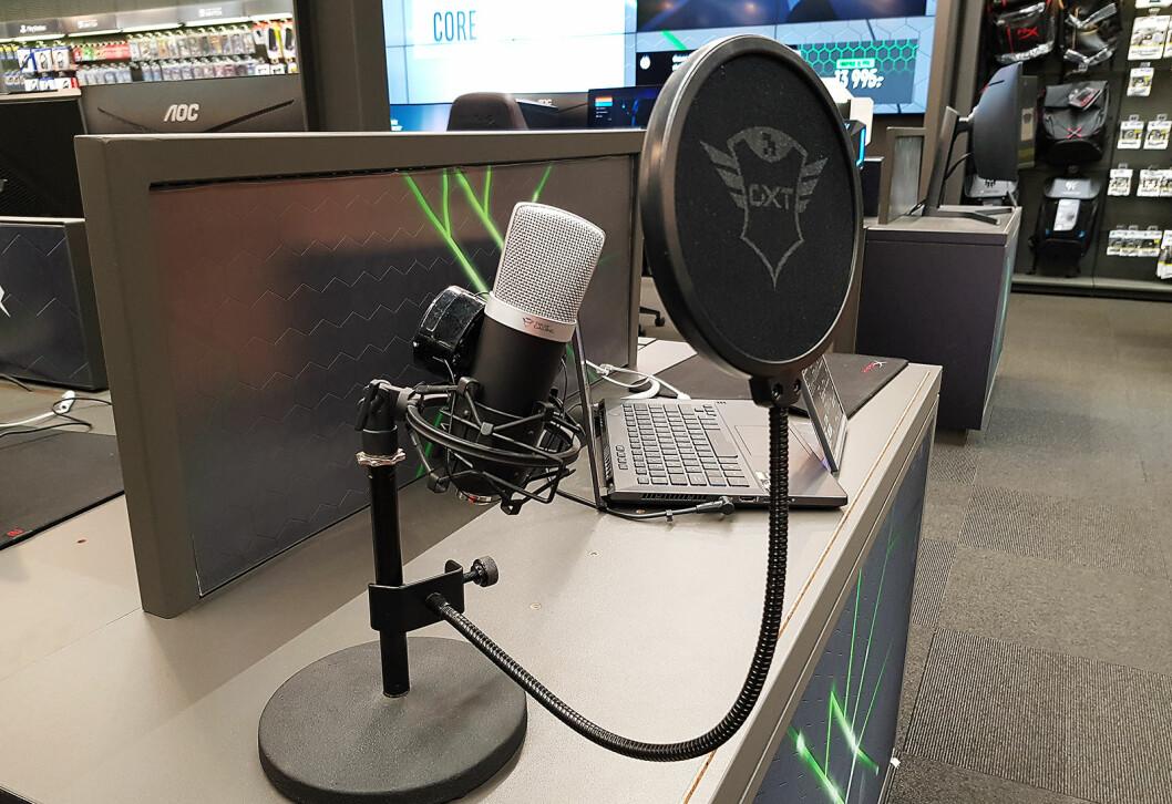Studiomikrofonen Emita leveres med USB-tilkobling og er beregnet for bloggere, podcast og youtubere. Foto: Jan Røsholm