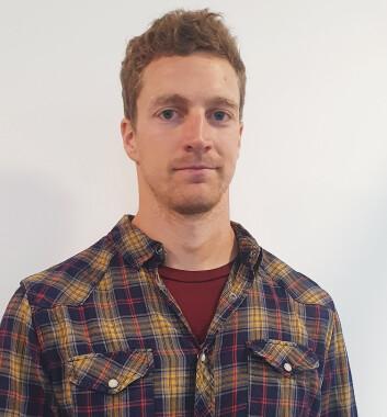 Størk Avelsgaard Lien, avdelingsingeniør i Norges vassdrags- og energidirektorat (NVE), sier den nye merkeordningen skal gjøre det enklere for norske forbrukere å velge miljøvennlig. Foto: NVE