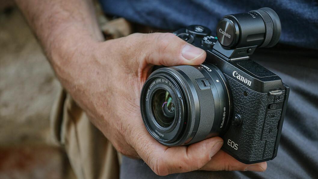 36 prosent av norske husstander sier de har et systemkamera i hjemmet. Foto: Canon