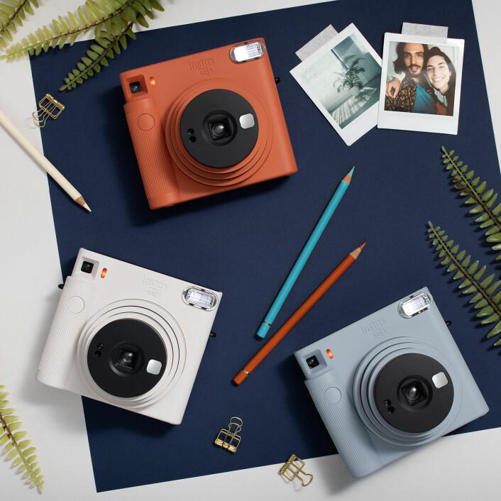10 prosent av nordmenn har et kamera som kan skrive ut bilder direkte hjemme. Foto: Instax